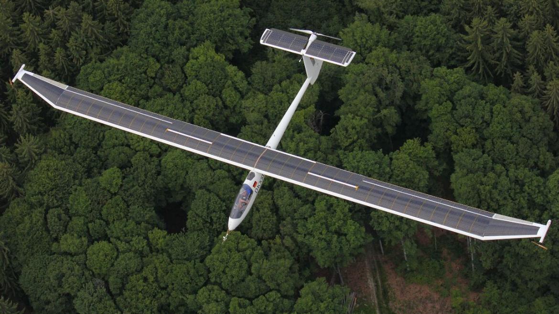 Icaré ist ein Erprobungsflugzeug der Fakultät und eines der ersten bemannten Flugzeuge mit sogenannten Wing-Tip Propellern. Damit lassen sich Steuerbarkeit und Flugleistung verbessern.