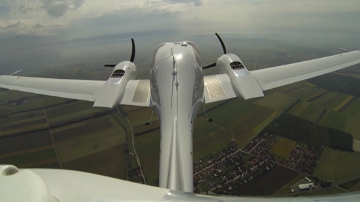 Automatic take-off and landing of a DA42 without ground based instrument landing system.